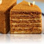 Готовим медовый торт старинный